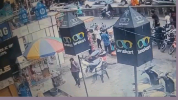 4 people (3 women and the street vendor) miraculously survived an electrocution by 11KV. Happened yesterday where I live.