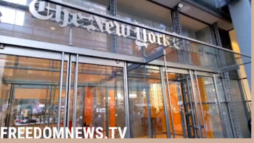 """Protesters against vaccine mandates chant """"Defund the Media"""" in front of the New York Times building"""